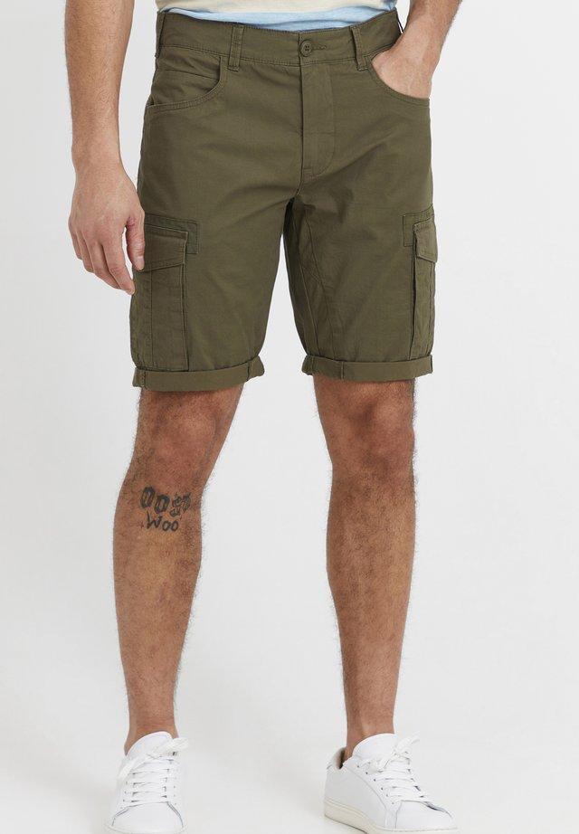 FREDO - Shorts - ivy green