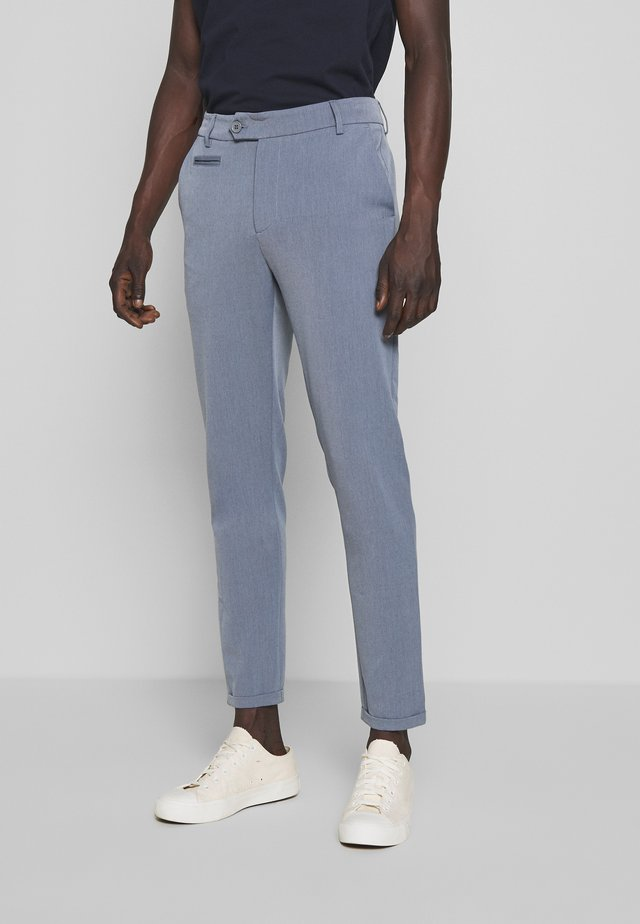 COMO LIGHT SUIT PANTS - Spodnie materiałowe - provincial blue