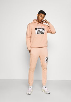NEW BEGINNINGS TRACKSUIT - Mikina skapucí - dusty pink