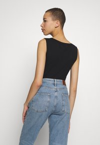 Calvin Klein Jeans - SMALL INSTITUTIONAL TANK BODY - Top - black - 2