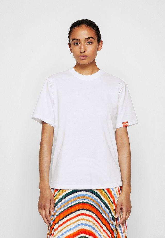 VICTORIA - Basic T-shirt - white