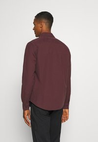 Abercrombie & Fitch - SIGNATURE SOLID OXFORD - Shirt - burg - 2