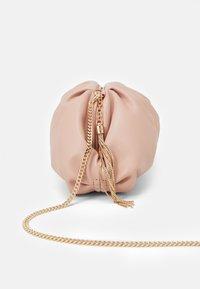LIU JO - POCHETTE - Across body bag - cameo rose - 3