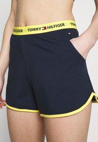 Tommy Hilfiger - SLEEP SHORT - Pyjama bottoms - navy blazer - 4