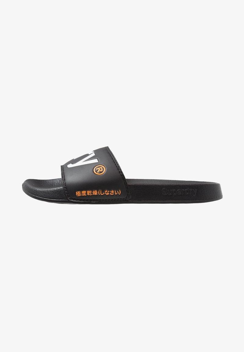 Superdry - POOL SLIDE - Sandali da bagno - optic black/optic white/hazard orange