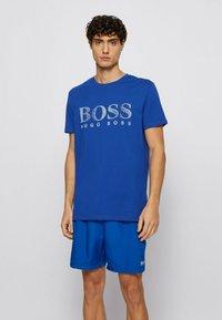 BOSS - RN - T-shirt imprimé - blue - 0