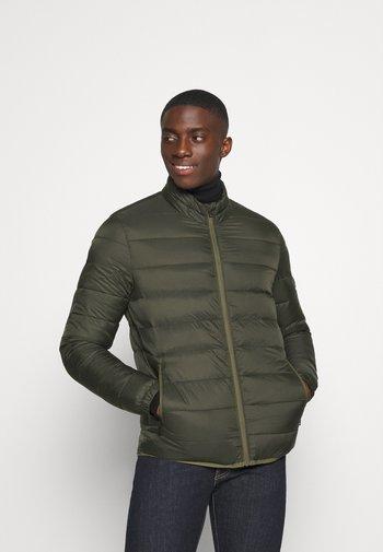 JJEMAGIC PUFFER COLLAR  - Light jacket - rosin