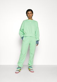 adidas Originals - PANTS - Pantalones deportivos - glory mint - 4
