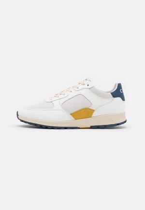 JOSHUA UNISEX - Sneakers - white/blue/wheat