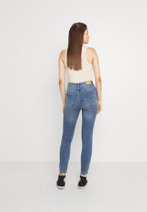 VMSANDRA - Jeans Skinny Fit - light blue denim