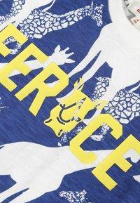 Catimini - GRAPHIC - T-shirt print - white - 2