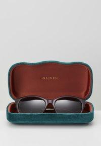 Gucci - Okulary przeciwsłoneczne - havana/brown - 3