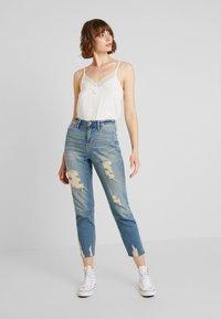Hollister Co. - MOM - Slim fit jeans - destroyed denim - 1