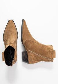 Kennel + Schmenger - MARY - Cowboy/biker ankle boot - wood - 3