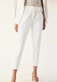IVY & OAK BRIDAL - Trousers - snow white - 0