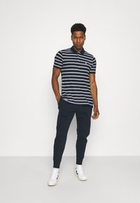 Abercrombie & Fitch - Träningsbyxor - navy - 1