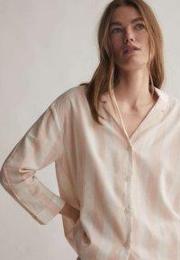 OYSHO - Pyjama top - rose - 2