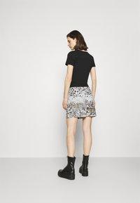 Desigual - TOUCHÉ - Pencil skirt - white - 2