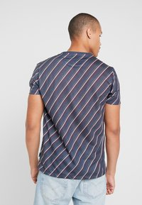 Burton Menswear London - DIAGONAL STRIPE - Print T-shirt - navy - 2