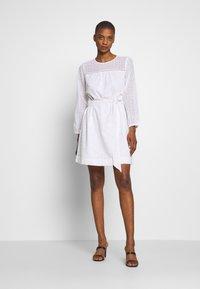 GAP - EYELET DRESS - Sukienka letnia - optic white - 1