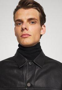 Theory - PATTERSON LEATHER OVERSHIRT - Leather jacket - black - 3