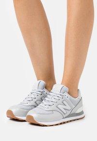 New Balance - WL574 - Sneakers - grey - 0