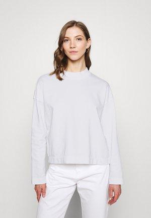 LOOSE LERDALA - Sweatshirt - white