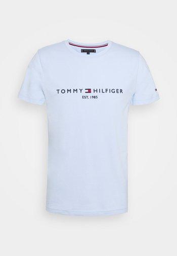 LOGO TEE - T-shirt med print - sweet blue