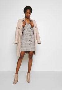 Fashion Union - ETTIE - Robe chemise - black/cream/brown - 1
