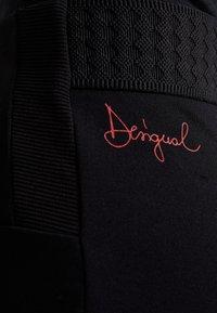 Desigual - PANT AMANDA - Leggings - black - 4