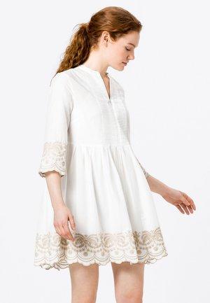 MIT KONTRASTSTICKEREI - Day dress - offwhite