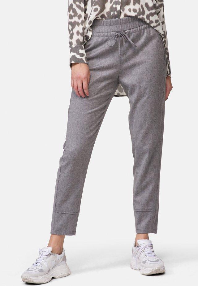 MIT GUMMIZUG - Trousers - grey
