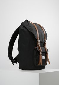 Herschel - LITTLE AMERICA  - Reppu - black - 3