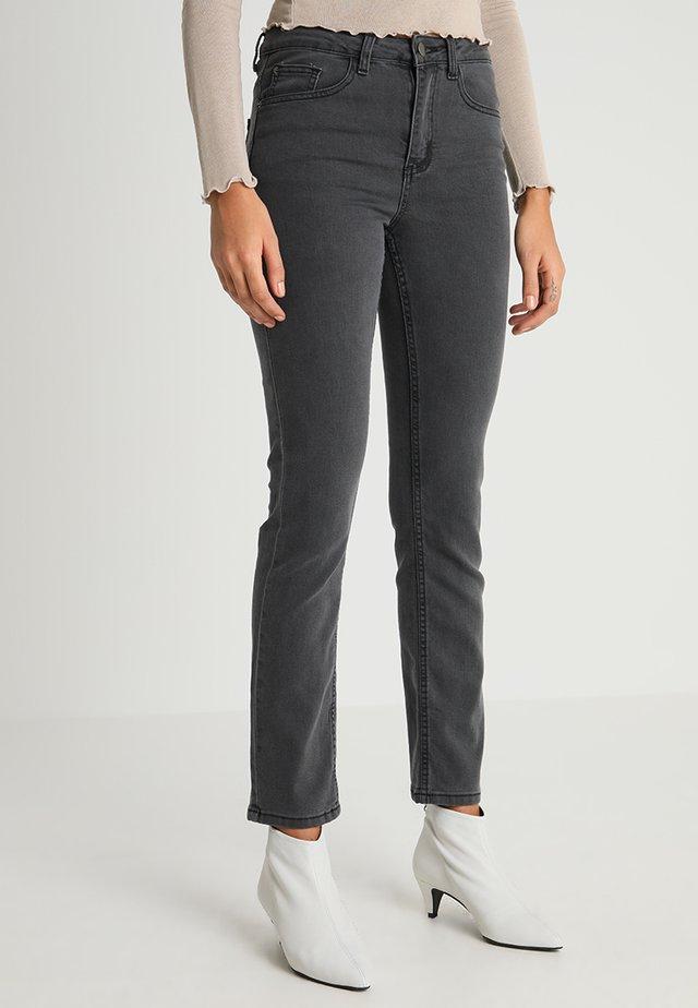 Jeansy Straight Leg - grey