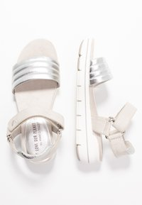 LOVE OUR PLANET by MARCO TOZZI - Sandalen met plateauzool - light grey - 3