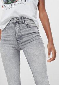 Bershka - Jeans Skinny - grey - 3