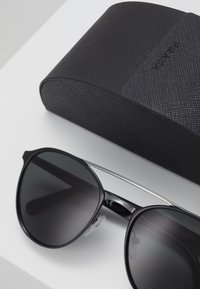 Prada - Zonnebril - black/ grey - 2
