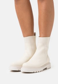 Zign - LEATHER  - Classic ankle boots - beige - 0