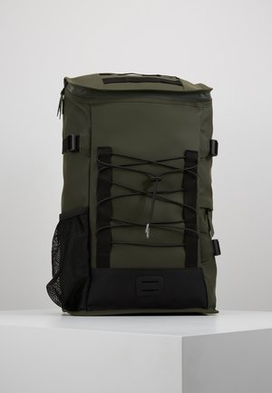 MOUNTAINEER BAG - Tagesrucksack - green
