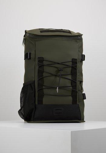 MOUNTAINEER BAG UNISEX - Rucksack - green