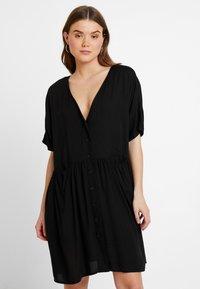 Monki - TEODORA DRESS - Robe chemise - black - 0