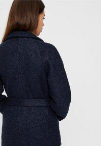 Noisy May - NMZOE  WOOLEN COAT - Klasyczny płaszcz - dark blue - 4