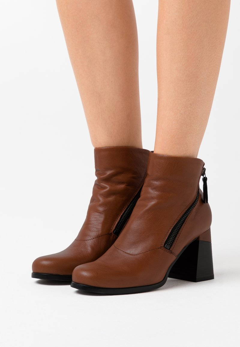 lilimill - Ankle boots - twister almond