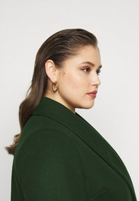 Dorothy Perkins Curve - MINIMAL SHAWL COLLARCROMBIE COAT - Short coat - green - 4