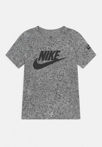 DIGITAL CONFETTI FUTURA  - Print T-shirt - light smoke gray