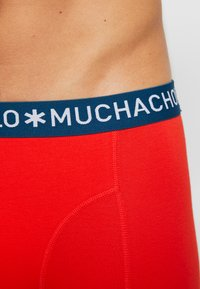 MUCHACHOMALO - OOIEV 3 PACK - Shorty - navy blue/red - 4