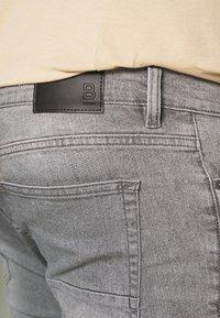 Burton Menswear London - BIG KOREA - Slim fit jeans - light grey - 4