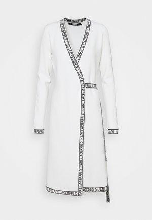 WRAP DRESS - Jumper dress - white