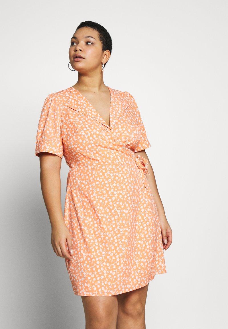 Fashion Union Plus - MERYL DRESS - Day dress - cantalope