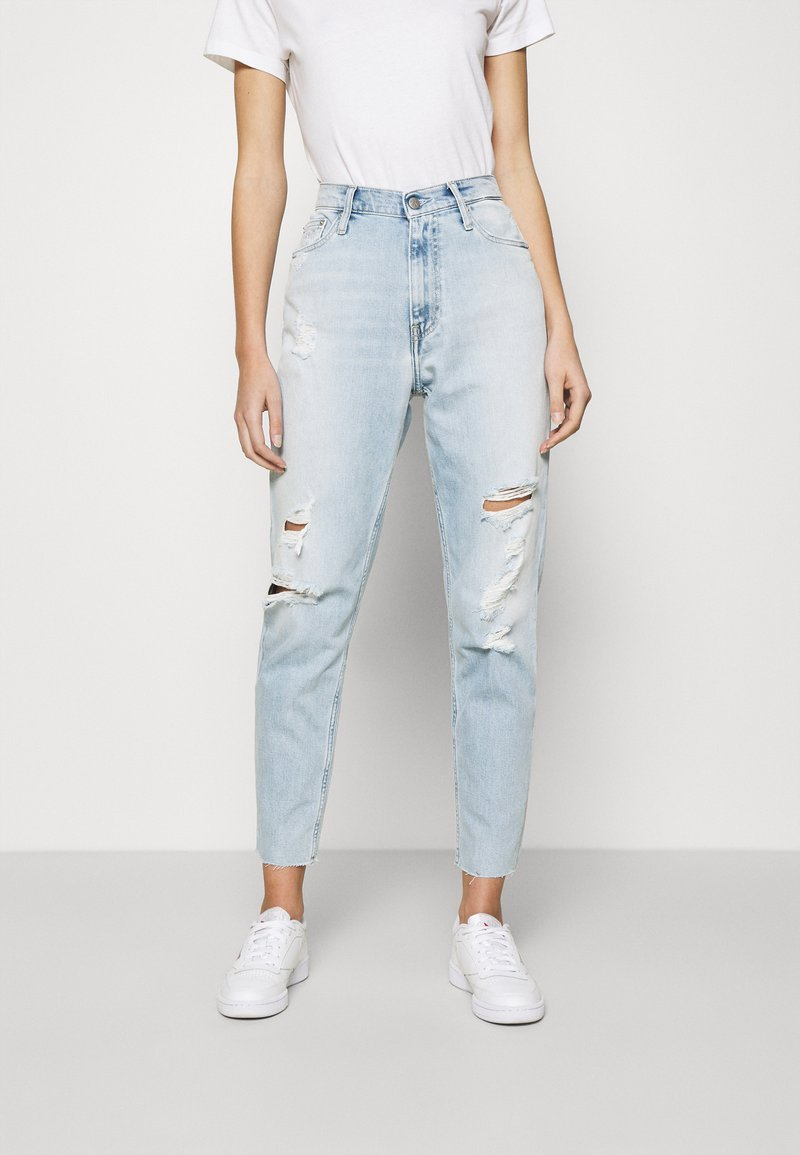 Calvin Klein Jeans - MOM - Jeansy Relaxed Fit - blue